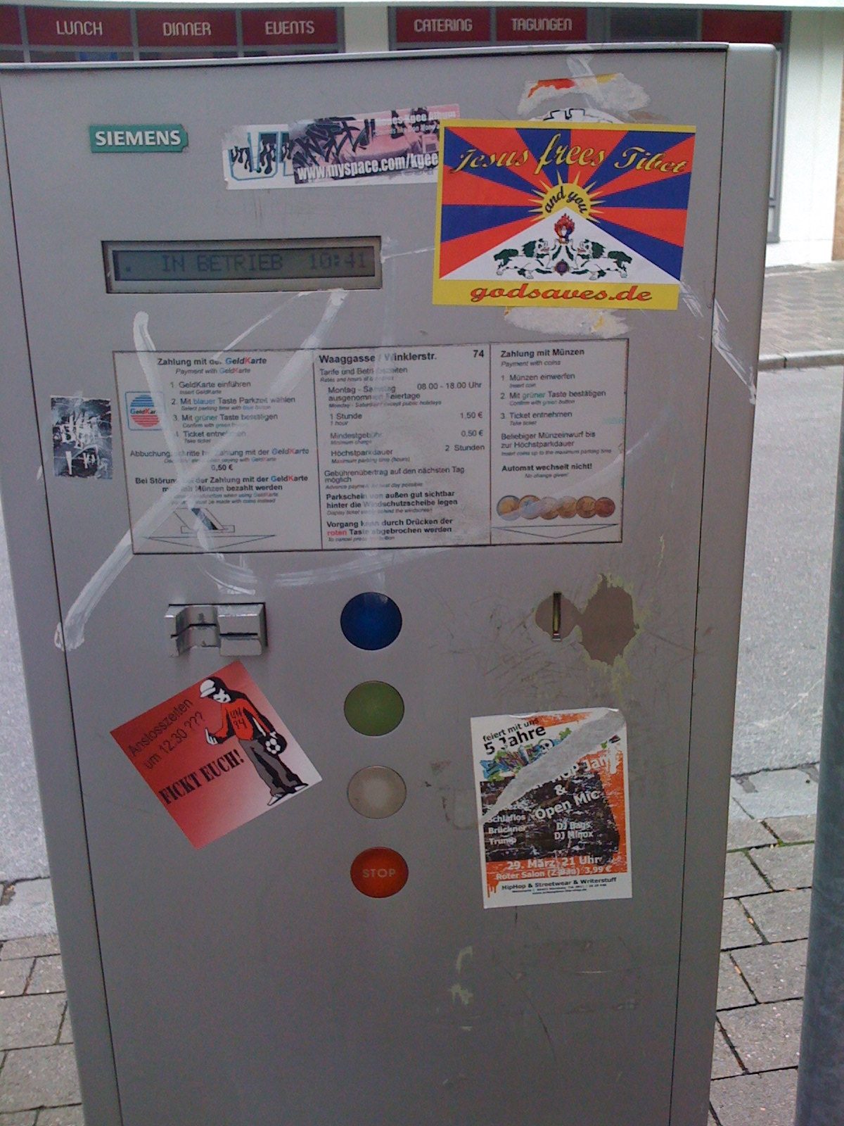 Guerilla-Marketing am Parkticket-Automaten in der Nürnberger Altstadt.